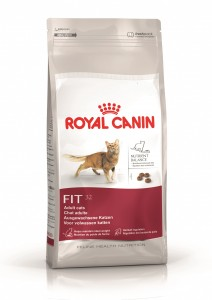Royal Canin cat pack shot